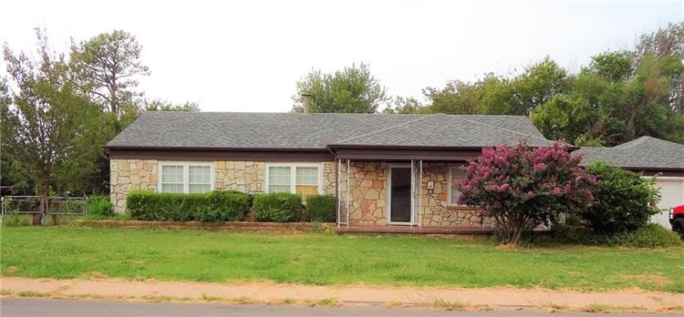 2701 Epperly Drive, Del City, OK 73115