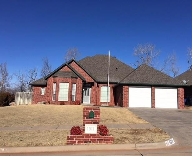 1911 E Cottonwood Terrace, Mustang, OK 73064