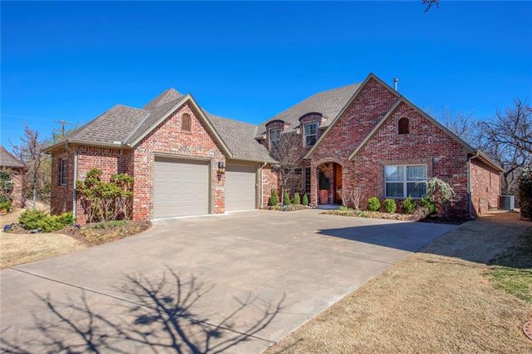 7916 Nichols Gate Circle, Oklahoma City, OK 73116