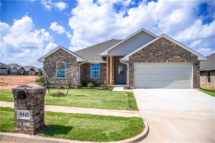 9445 NW 87th Place, Yukon, OK 73099
