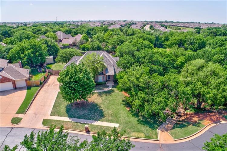 16905 Halbrooke Circle, Edmond, OK 73012