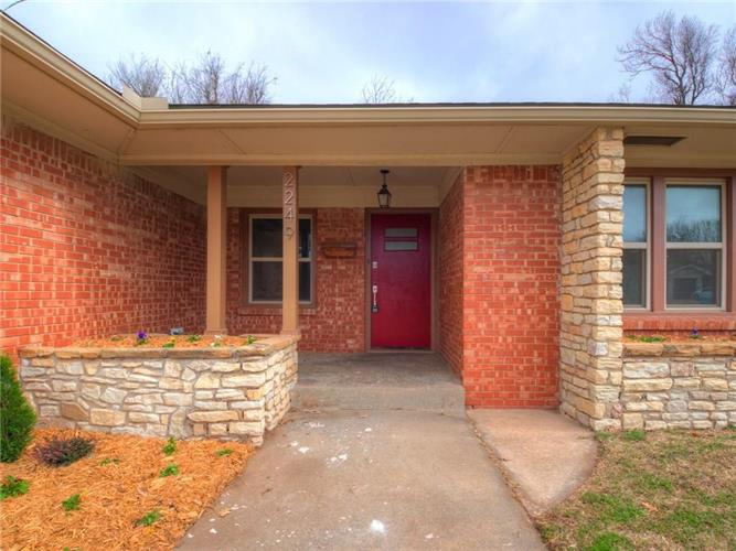 2249 Barclay Road, The Village, OK 73120