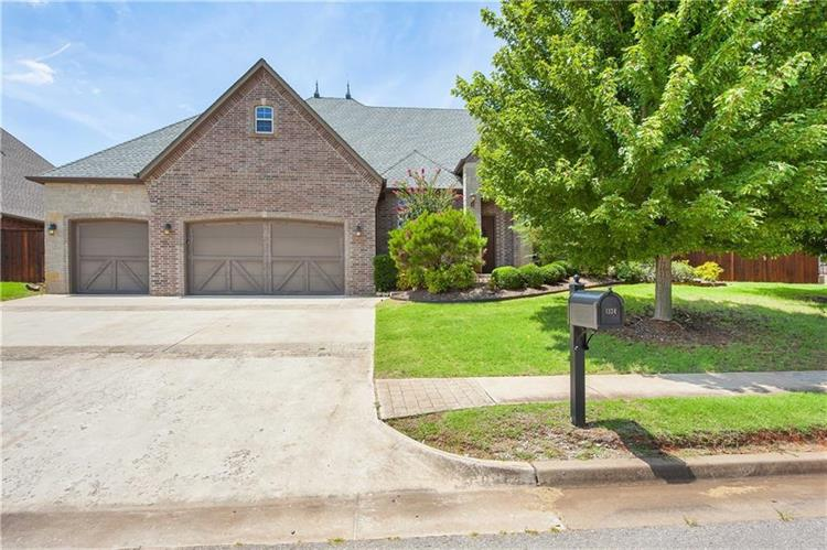 1324 Narrows Bridge Circle, Edmond, OK 73034