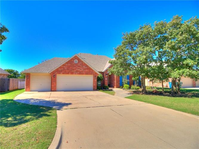 387 Windsor Road, Midwest City, OK 73130