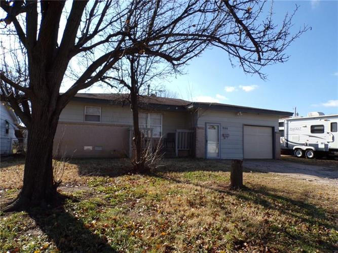 900 Stiver Drive, Midwest City, OK 73110 - Image 1