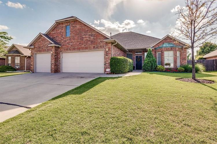 10705 Cliffe Hollow Drive, Oklahoma City, OK 73162 - Image 1
