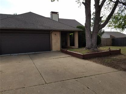 708 Lonnie Lane, Moore, OK