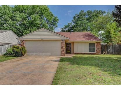 1919 Oakhollow , Norman, OK