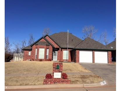 1911 E Cottonwood Terrace, Mustang, OK