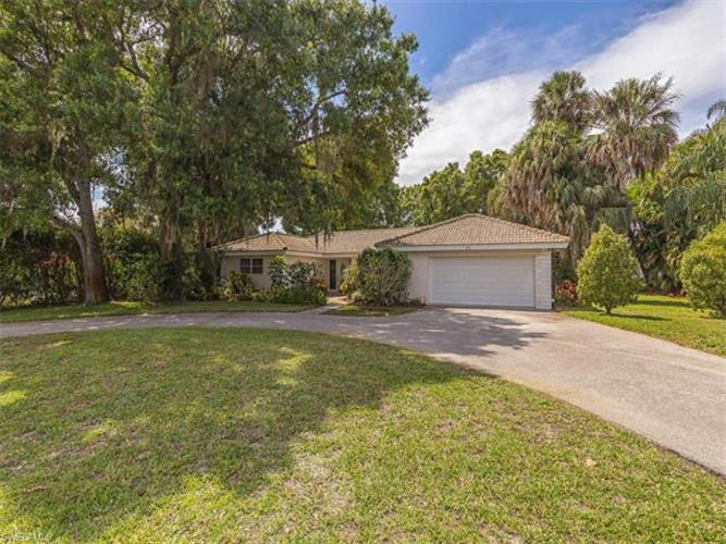 277 Burning Tree DR, Naples, FL 34105 - Image 1