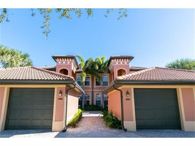 10044 Heather LN, Naples, FL 34119