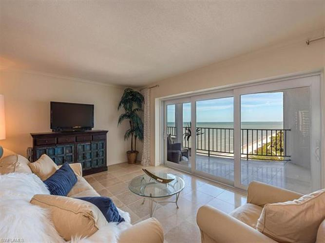 3951 Gulf Shore BLVD N, Naples, FL 34103