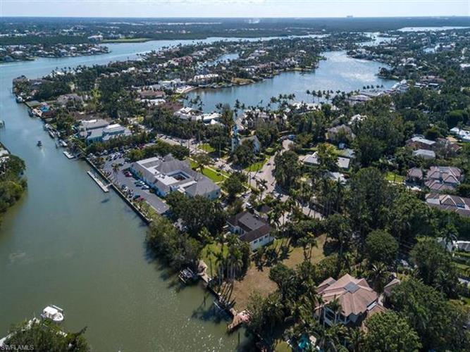 475 Galleon DR, Naples, FL 34102 - Image 1