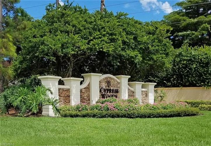3445 Grand Cypress DR, Naples, FL 34119