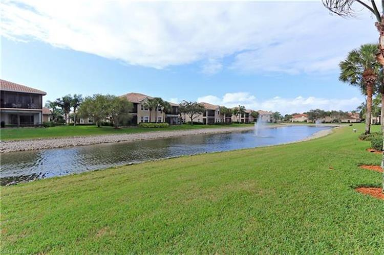 4475 Dover CT, Naples, FL 34105