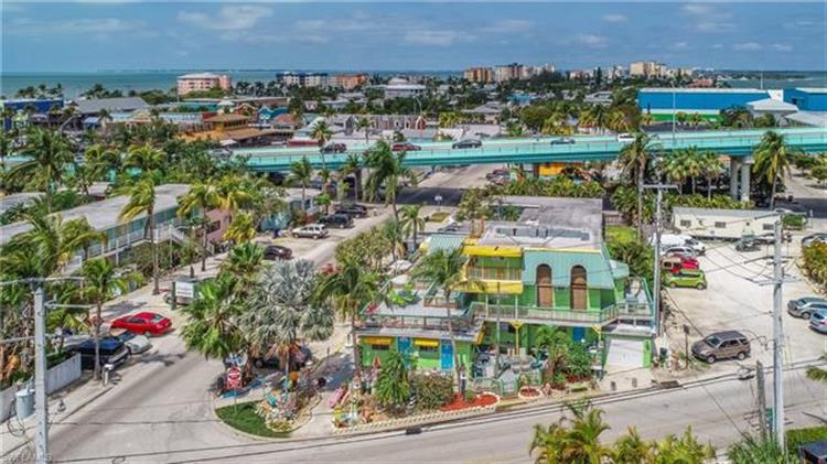 1051 THIRD ST, Fort Myers Beach, FL 33931