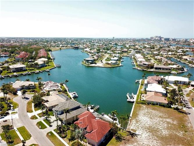 1158 Strawberry CT, Marco Island, FL 34145