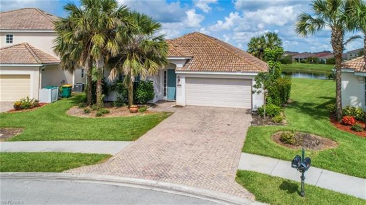 2165 Fairmont LN, Naples, FL 34120