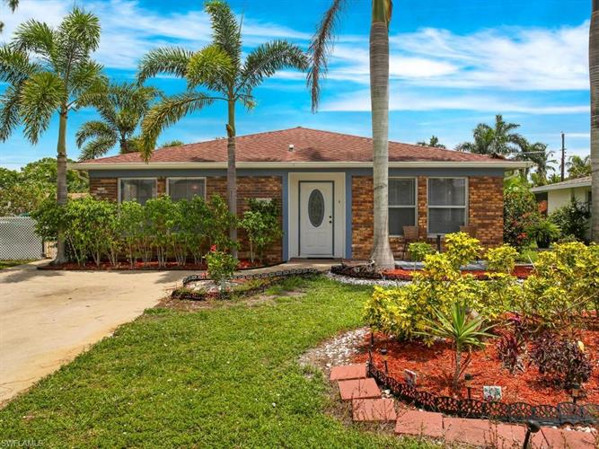 755 94th AVE N, Naples, FL 34108 - Image 1