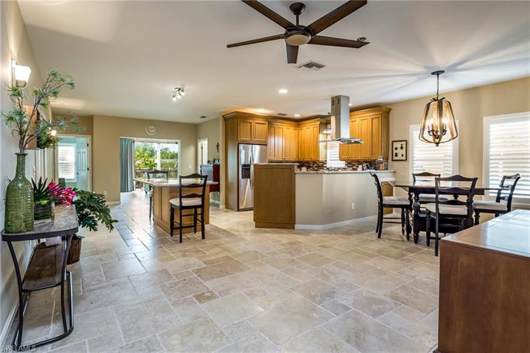 1264 Highlands DR, Naples, FL 34103