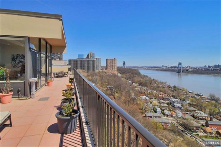 3 Horizon Rd, Fort Lee, NJ 07024