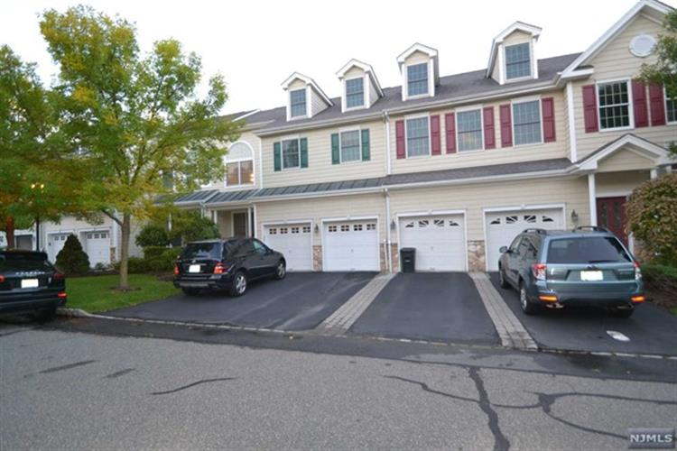 7 Pheasant Run, Old Tappan, NJ 07675
