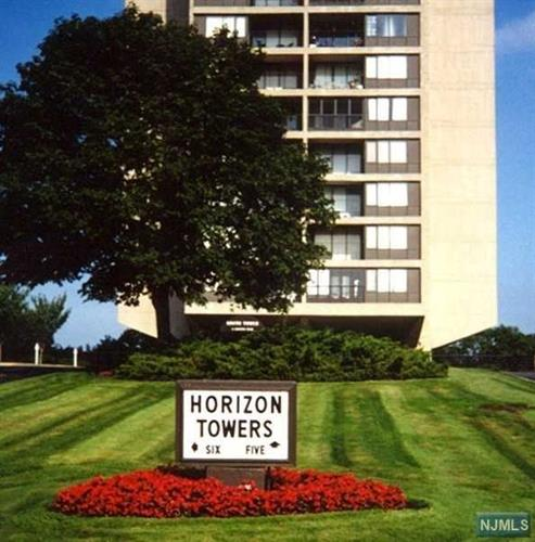 5 Horizon Rd, Fort Lee, NJ 07024