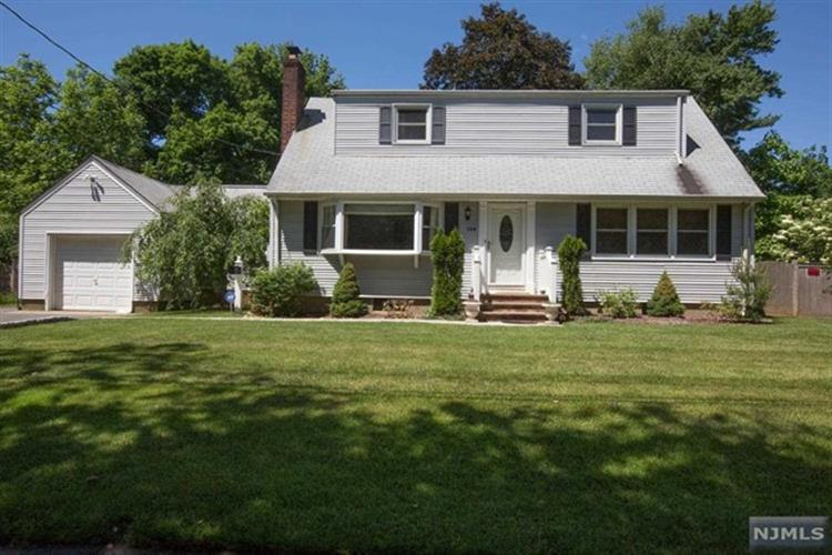 144 Spring St, Harrington Park, NJ 07640