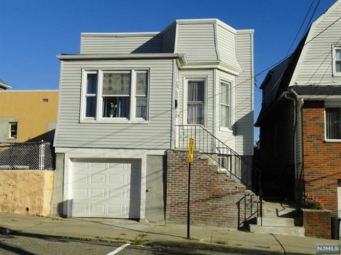 6904 Smith Ave, North Bergen, NJ 07047