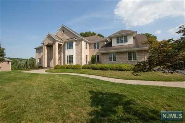 94 Pancake Hollow Dr, Wayne, NJ 07470