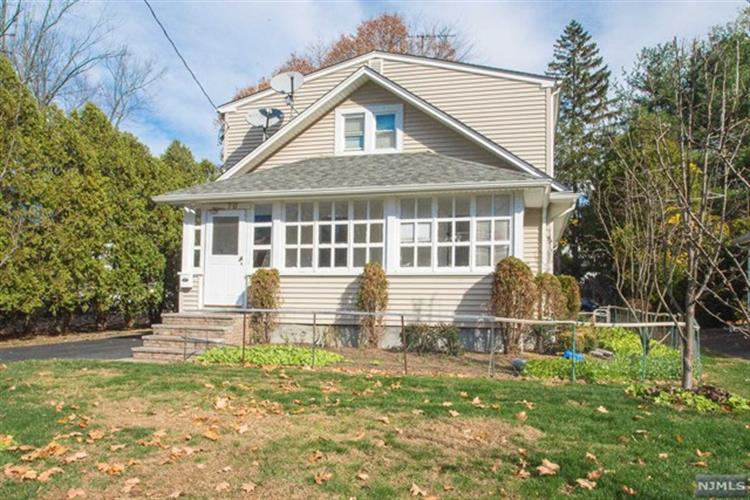 10 Ward Avenue, Wyckoff, NJ 07481