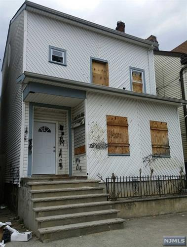 115 East Holsman Street, Paterson, NJ 07522
