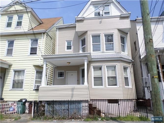 20 Manchester Ave, Paterson, NJ 07502
