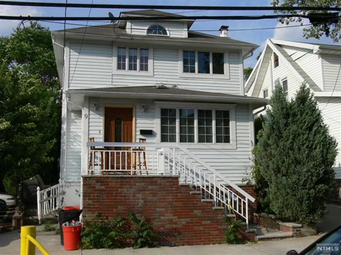9 Lincoln Pl, Cliffside Park, NJ 07010