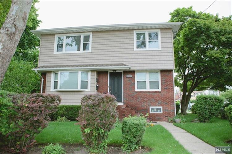 259 Railroad Pl, Hackensack, NJ 07601