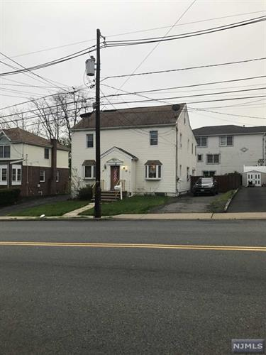 17 Centre St, Nutley, NJ 07110