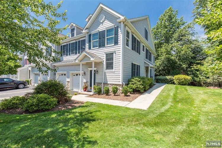 72 Pheasant Run, Old Tappan, NJ 07675