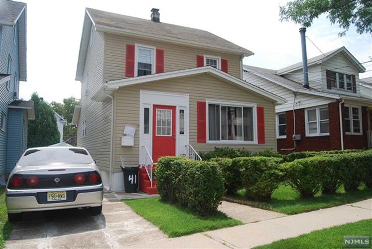 41 E 9th St, Clifton, NJ 07011