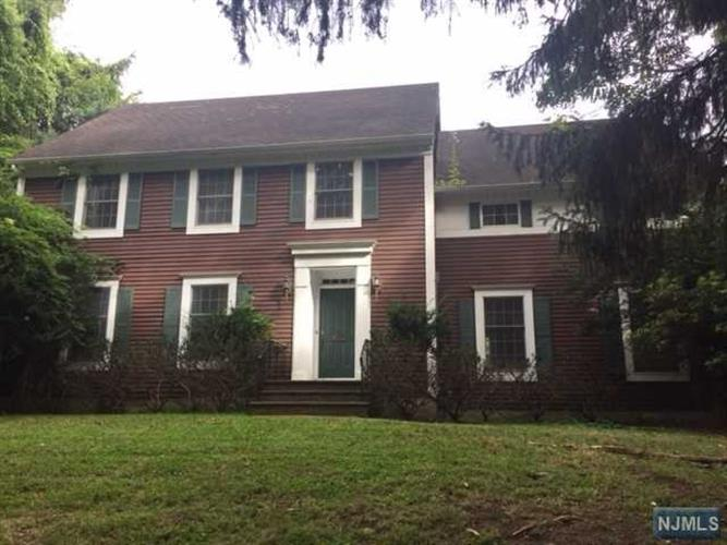 90 Wyckoff Ave, Ramsey, NJ 07446