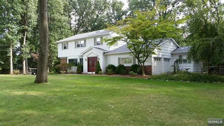597 Colonial Road, River Vale, NJ 07675