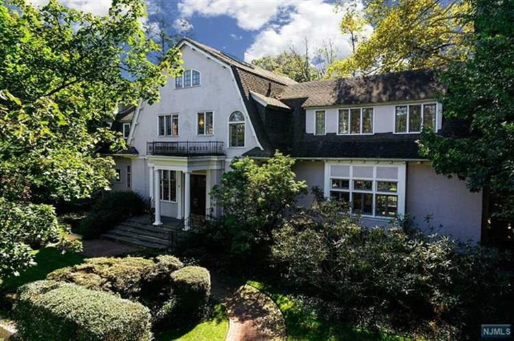 54 Melrose Place, Montclair, NJ 07042