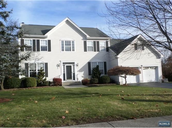69 Atherton Court, Wayne, NJ 07470