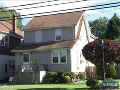 126 Hickory Avenue, Bergenfield, NJ 07621