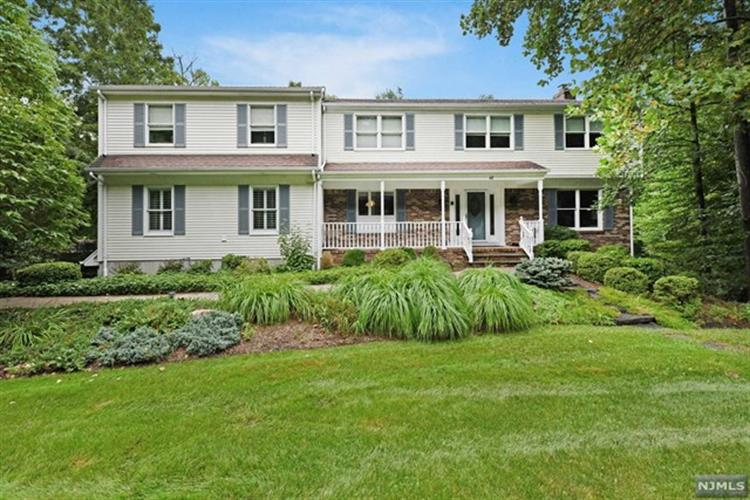 48 Valley View Terrace, Montvale, NJ 07645