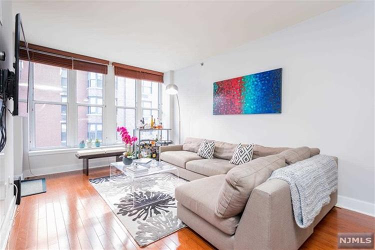 1125 Maxwell Lane, Unit 550, Hoboken, NJ 07030
