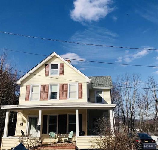 16 Washington Street, Butler, NJ 07405