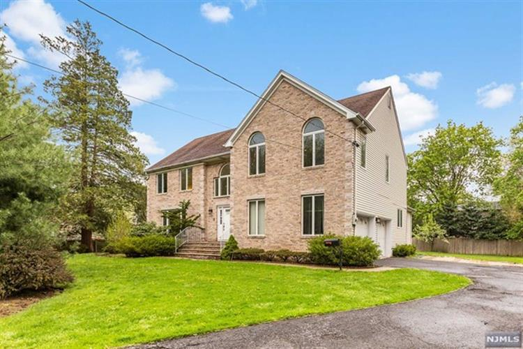 395 Piermont Road, Closter, NJ 07624
