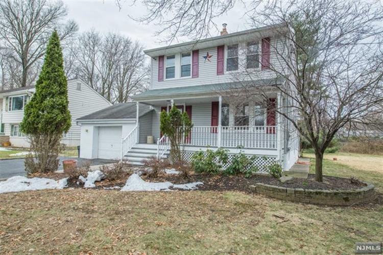 10 Francisco Avenue, Little Falls, NJ 07424