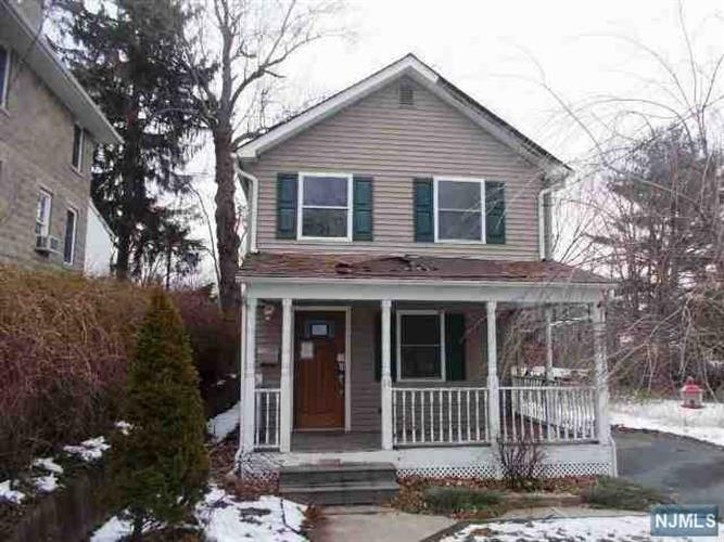 14 Lines Avenue, Wanaque, NJ 07465
