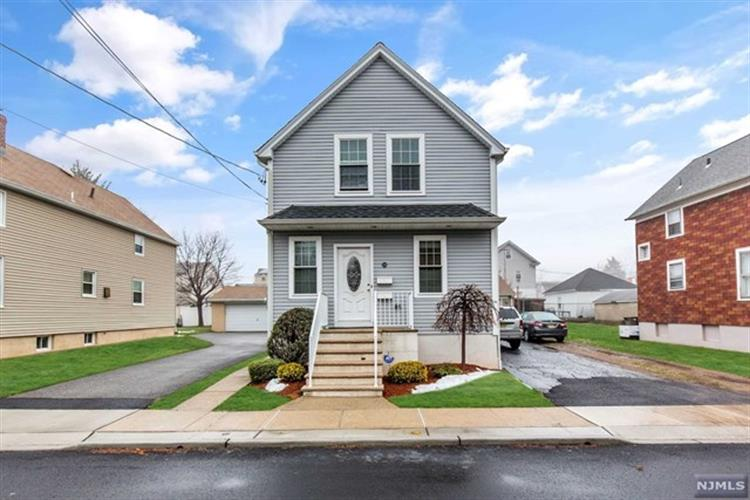 338 3rd Street, Saddle Brook, NJ 07663